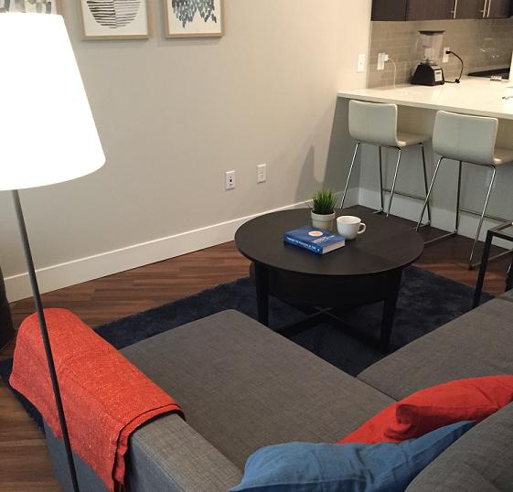 Living Room & Bar
